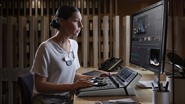 Blackmagic Design DaVinci Resolve Micro Panel Mini